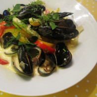 Mussels and Fennel with Saffron Cream Broth
