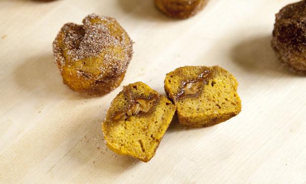 Biscoff-Stuffed Pumpkin Muffin Bites