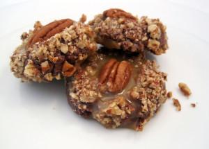 Chocolate Turtle Cookies | spachethespatula.com