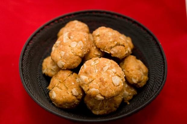 Anzac Biscuits | spachethespatula.com