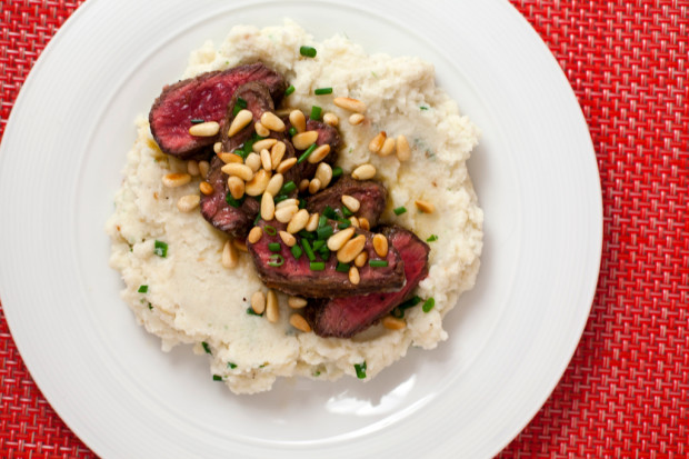 Triple Citrus Flank Steak and Roasted Garlic-Cauliflower Mash | spachethespatula.com #recipe