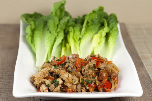 Thai-Style Turkey Lettuce Wraps | spachethespatula.com #recipe