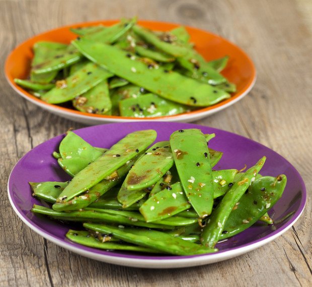 Sesame Snow Pea Salad | spachethespatula.com #recipe