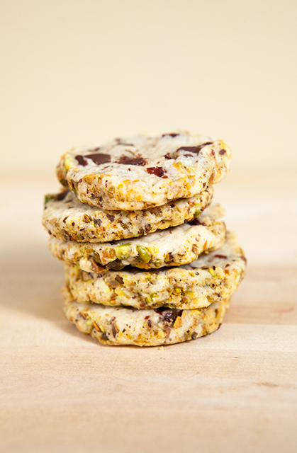 Cherry-Pistachio Cookies | spachethespatula.com #recipe