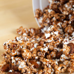 Chocolate Almond Popcorn | spachethespatula.com #recipe