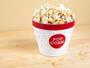 Macadamia Butter Crunch Popcorn | spachethespatula.com #recipe