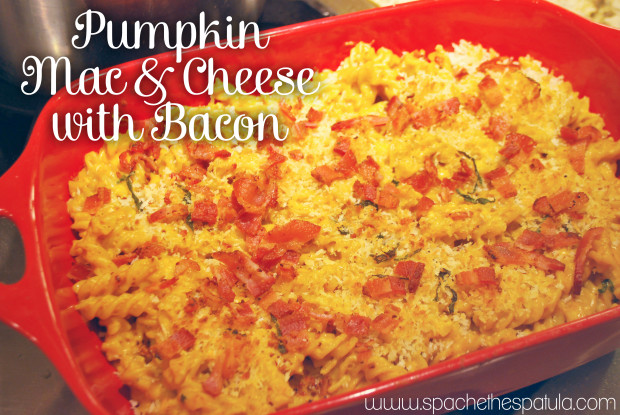 Pumpkin Mac & Cheese with Bacon | spachethespatula.com #recipe