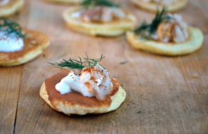 Smoked Whitefish Blinis | spachethespatula.com #recipe