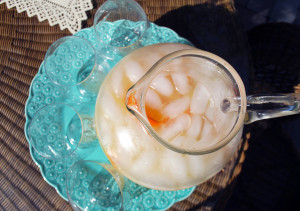 Sparkling Coconut-Mango-Orange Cooler | spchethespatula.com