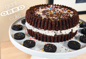 Giant Oreo Cake | spachethespatula.com #recipe