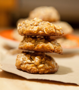 Orange-Tahini Pine Nut Cookies | spachethespatula.com #recipe (with #vegan and #gluten-free options!)