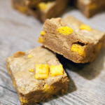 Peanut Butter Cap'n Crunch Bars | spachethespatula.com #recipe