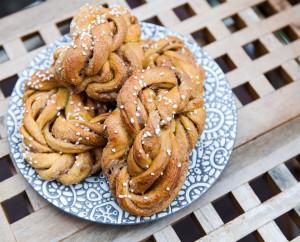 Pumpkin-Biscoff Knots | spachethespatula.com #recipe