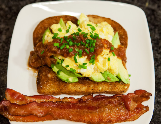 My Favorite Eggs (with avocado and salsa) | spachethespatula.com #recipe