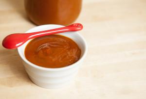 Spicy-Sweet BBQ Sauce | spachethespatula.com #recipe
