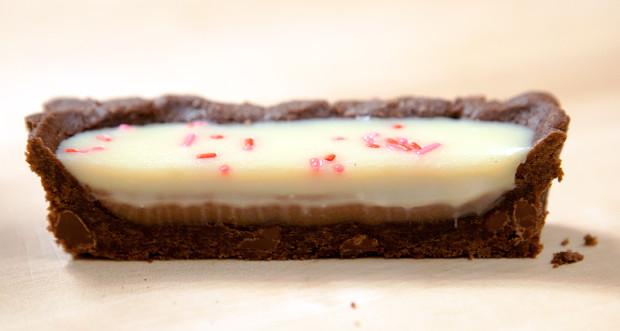 Black & White Tart with Peanut Butter Caramel | spachethespatula.com #recipe
