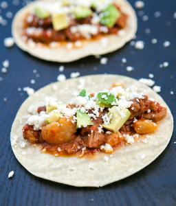 Pork Tinga Tacos | spachethespatula.com #recipe