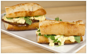 Tarragon Egg Salad Sandwiches with Homemade Lemon-Chive Mayo | spachethespatula.com #recipe