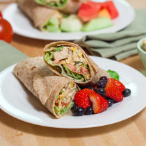Blackened Chicken Salad Wraps | spachethespatula.com #recipe