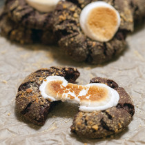 Chocolate S'mores Cookies | spachethespatula.com #recipe