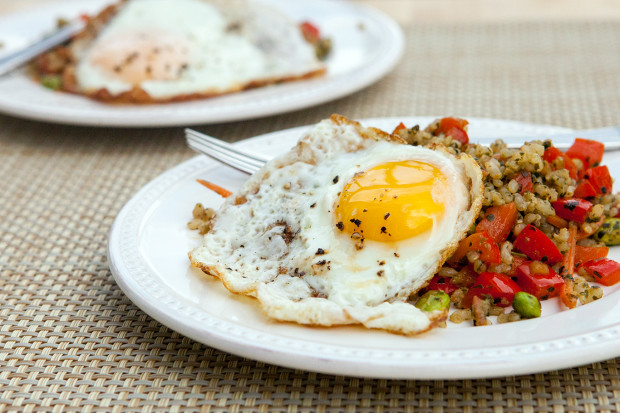 Pesto Fried Rice | spachethespatula.com #recipe
