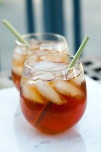 Ginger-Lemongrass Bourbon Iced Tea | spachethespatula.com #recipe