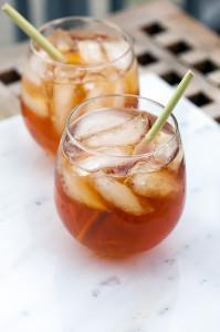 Ginger-Lemongrass Bourbon Iced Tea   spachethespatula.com #recipe