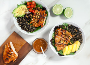 Pineapple-Sriracha Chicken Salad Bowls with Wild Rice | spachethespatula.com #recipe