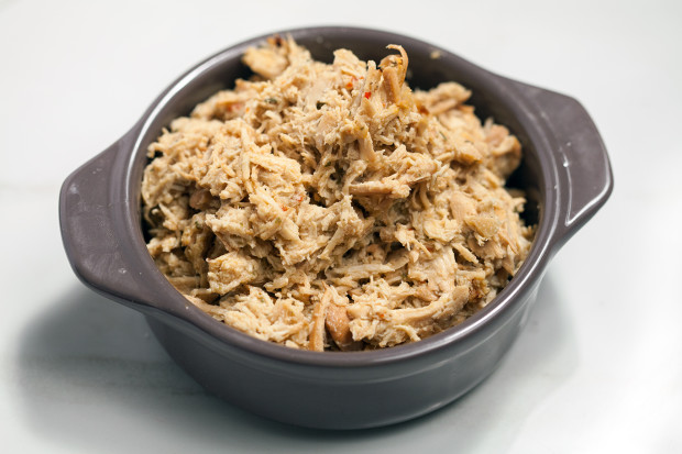 Cafe Rio-Style Pulled Chicken Salad (with Creamy Tomatillo Ranch!) | spachethespatula.com #recipe