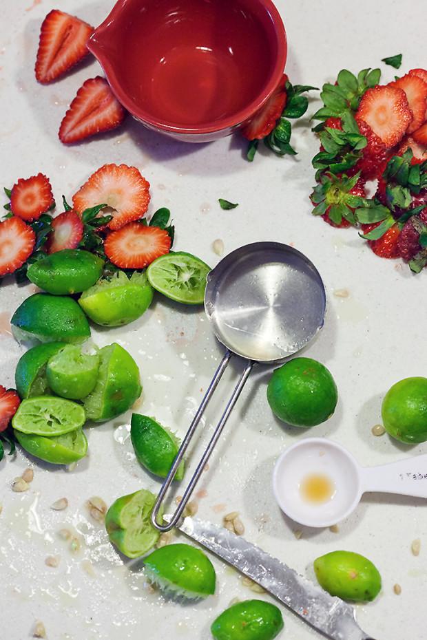 Strawberry Key Lime Margaritas | spachethespatula.com #recipe