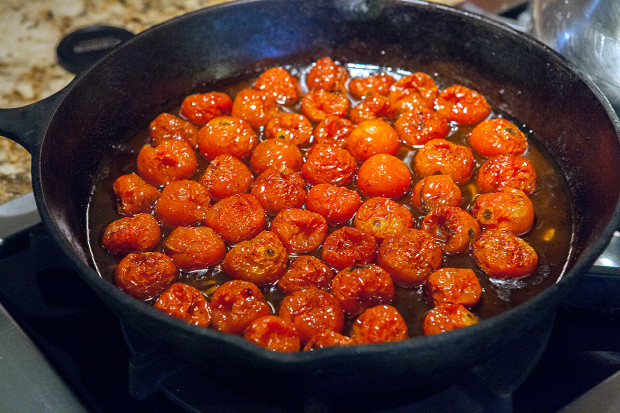 Roasted Tomatoes | spachethespatula.com #recipe