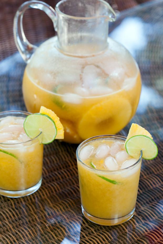 Tropical Rum Punch | spachethespatula.com #recipe