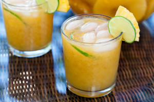 Tropical Rum Punch | spachethespatula.com #recipe