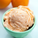 Honey Apricot Frozen Yogurt | spachethespatula.com #recipe