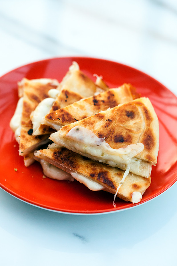 Quesadillas | spachethespatula.com #recipe