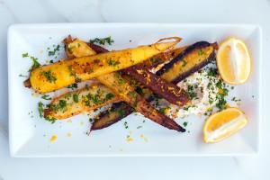 Spice-Crusted Carrots with Harissa Yogurt | spachethespatula.com #recipe