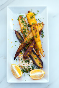 Spice-Crusted Carrots with Harissa Yogurt | spachethespatula.com #recipe