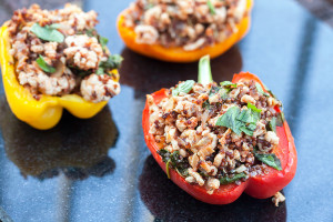 Turkey and Quinoa Stuffed Peppers | spachethespatula.com #recipe