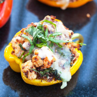 Turkey and Quinoa Stuffed Peppers | spachethespatula.com #recipe