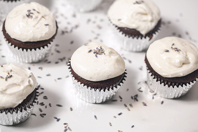 Chocolate Cupcakes with Lavender-Goat Cheese Frosting | spachethespatula.com #recipe