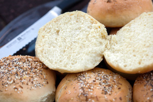 Everything Hamburger Buns | spachethespatula.com #recipe