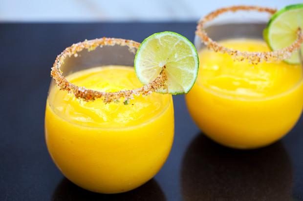 Mango-ritas with Spicy-Sweet Lime Salt | spachethespatula.com #recipe