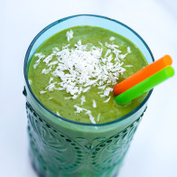 Tropical Green Smoothie | spachethespatula.com #recipe