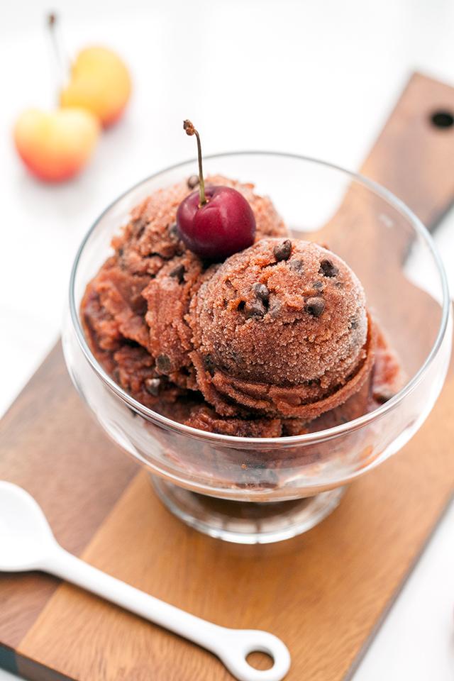 Cherry Chocolate Chip Sorbet | spachethespatula.com #recipe