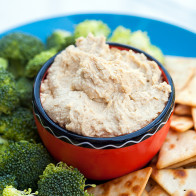 Party Perfect Microwave Hummus | spachethespatula.com #recipe