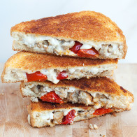 Rosemary Chicken Sausage, Peppadew Pepper, and Goat Gouda Grilled Cheese | spachethespatula.com #recipe
