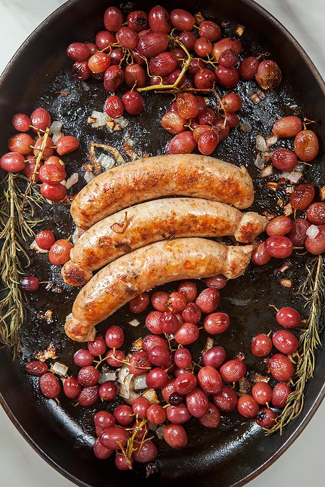 Chicken Sausages and Roasted Grapes over Rosemary Polenta | spachethespatula.com #recipe