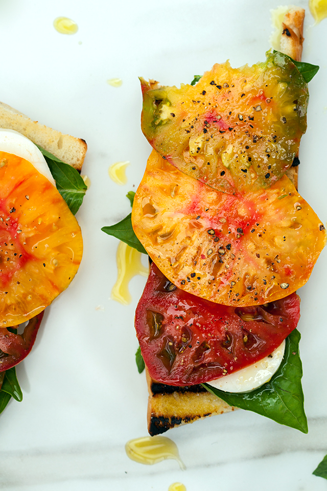 Heirloom Caprese Toasts with Truffle Salt | spachethespatula.com #recipe