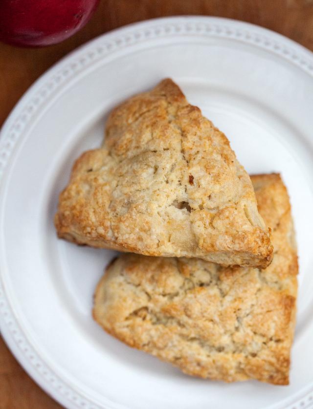 Pear, Candied Ginger, and Walnut Scones | spachethespatula.com #recipe