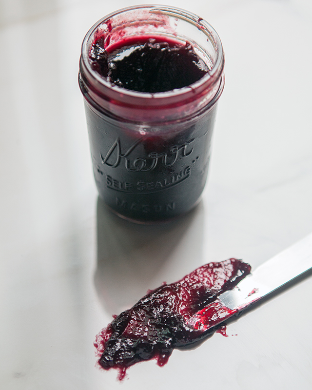 Concord Grape Jam | spachethespatula.com #recipe
